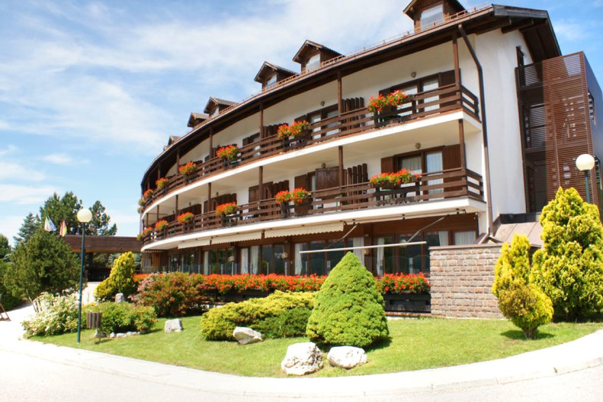 Mountain apartments with 3% net guaranteed yield